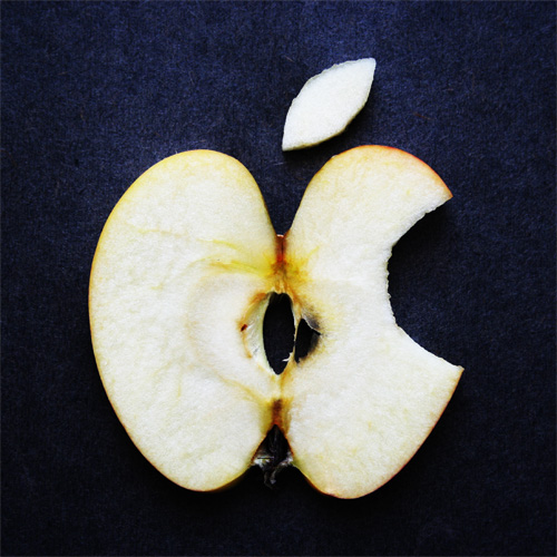Apple_by_TheDeadManWalking