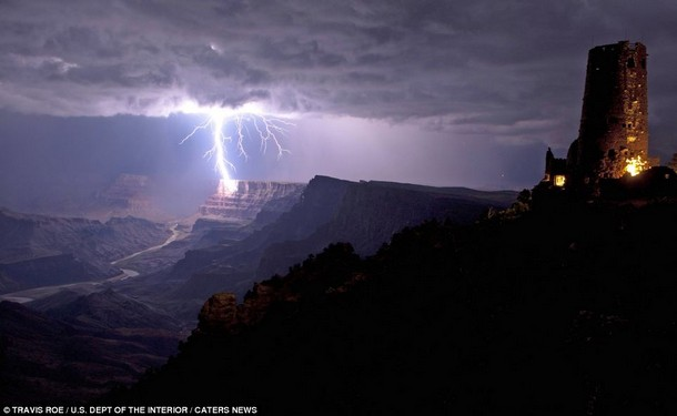 Grand Canyon Lightning-1