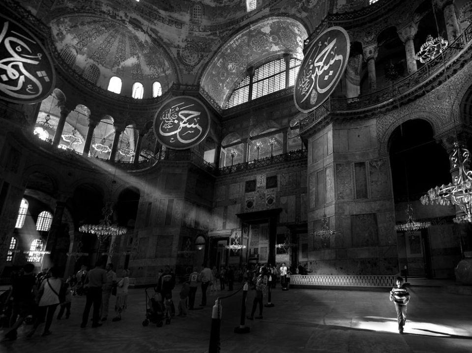 hagia-sophia-istanbul_67927_990x742