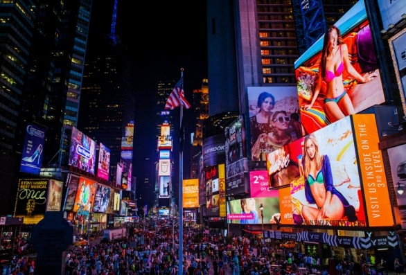 Times-Sqaure-a-New-York-586x397