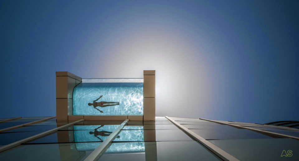 The Infinity Pool at Intercontinental Dubai Festival city.