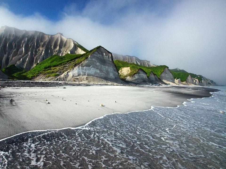 sea-cliffs-russia_74385_990x742